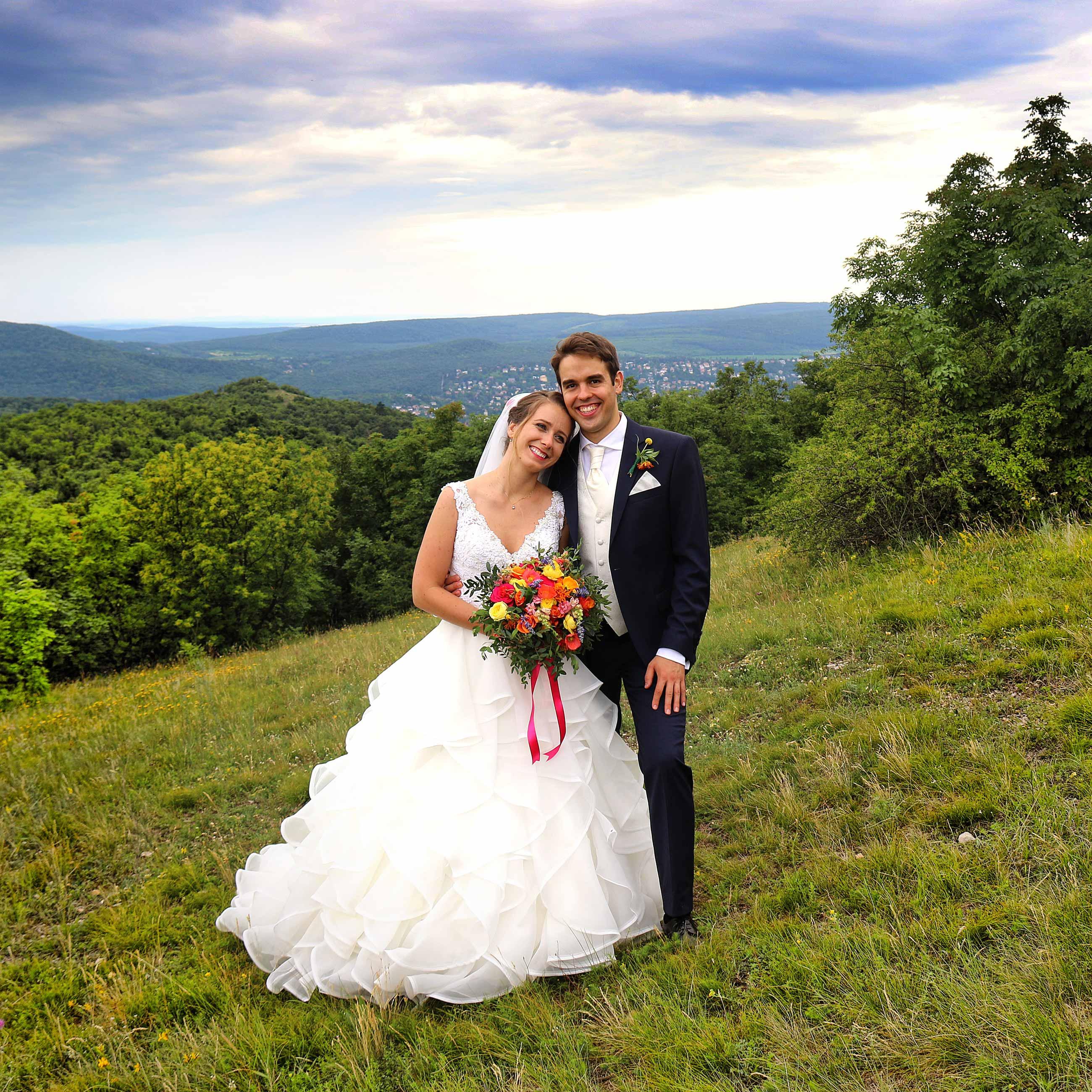 háttér naplemente esküvői fotó