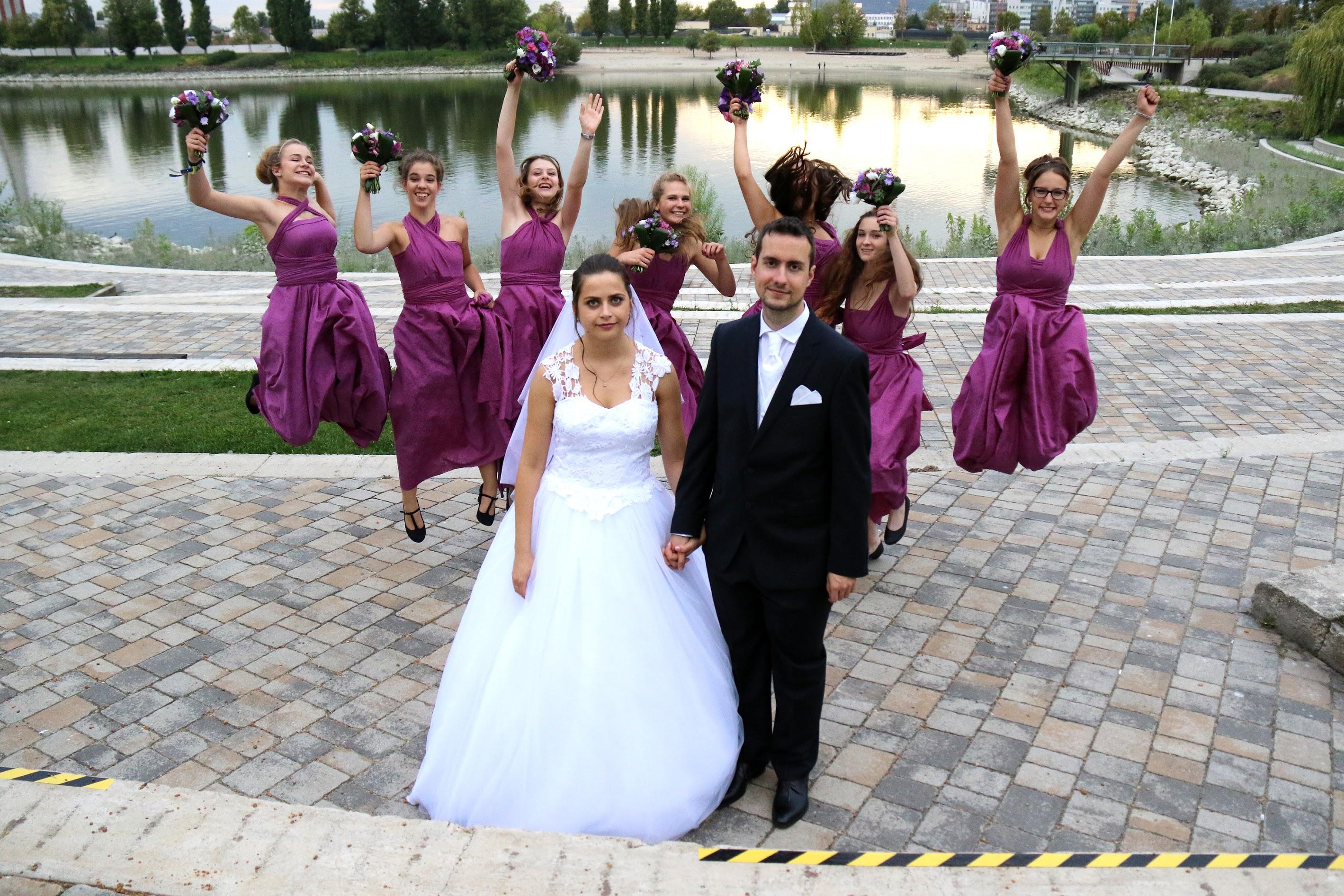esküvői koszorúslányok