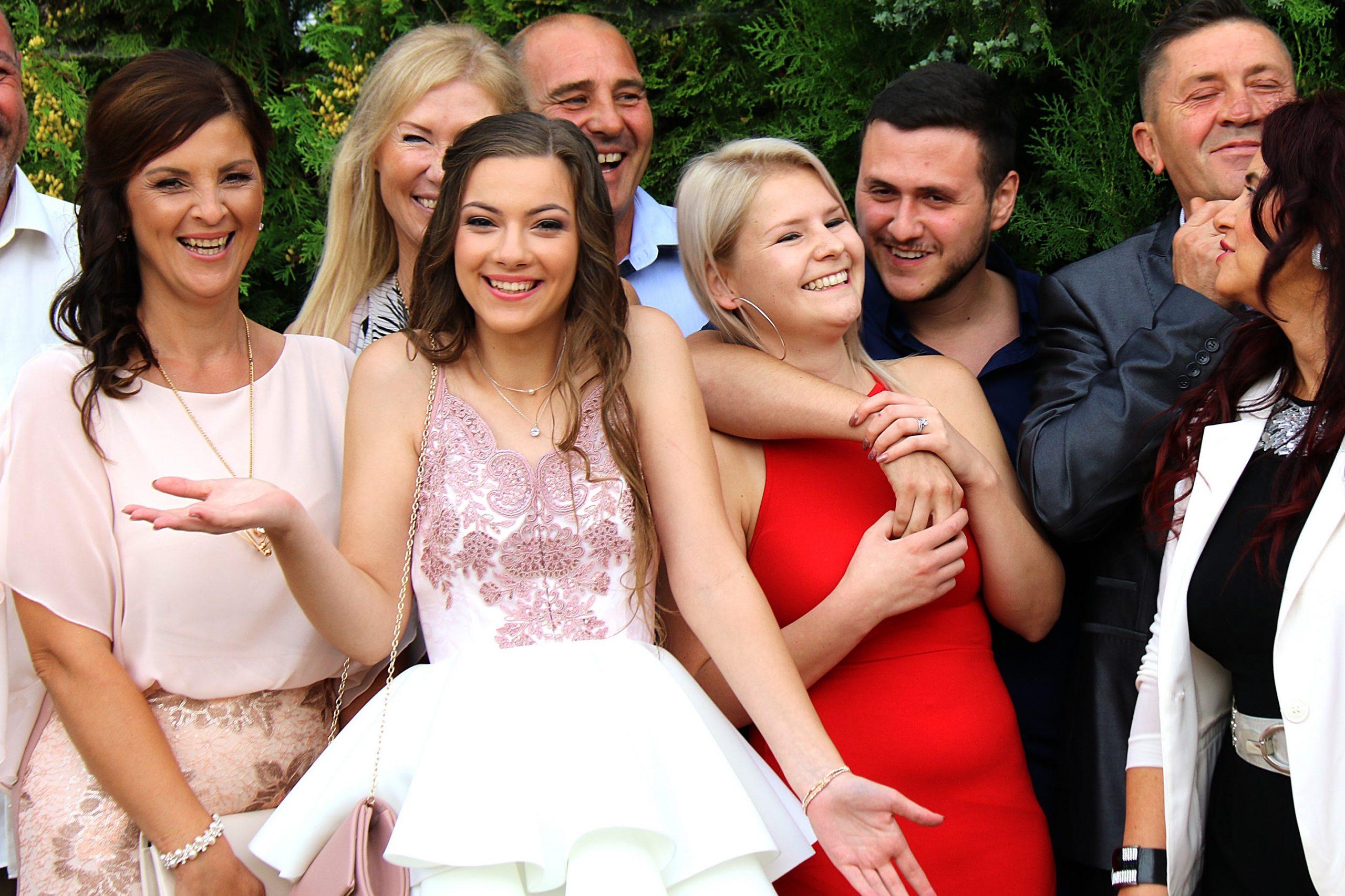 csoportkép esküvői